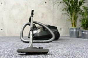 Cómo limpiar el suelo de moqueta