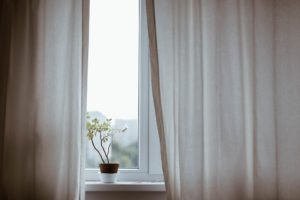 Lavar cortinas y paños de cocina